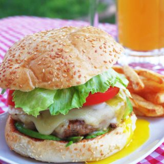 Juicy Grilled Hamburger Recipe